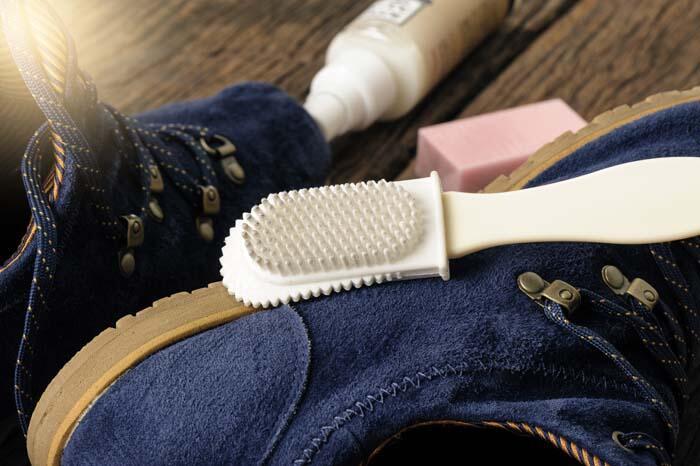 Ayakkabı ve terlik temizliği
